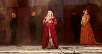 Maria Stuart in den Münchener Kammerspielen