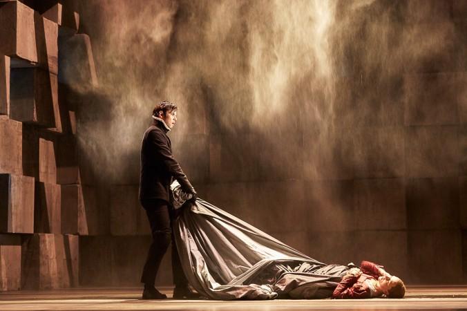 Ein wunderschönes Bühnenbild in den Münchner Kammerspielen bei Maria Stuart. (#1)
