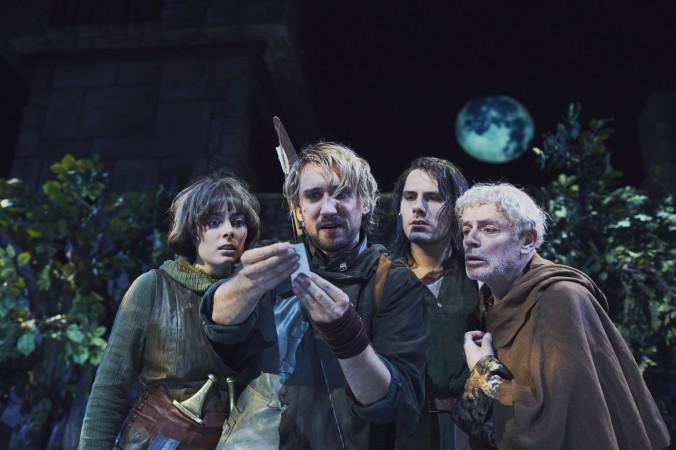 v.l. Pauline Fusban (Scarlett Will), Thomas Lettow (Robin Hood), Max Koch (Little John), Alfred Kleinheinz (Bruder Tuck) (#1)