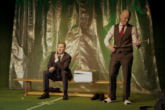 """Was hat der Golfschläger für eine Beudeutung ind """"Zeit der Kannibalen"""" mit Björn Bonn und Johann Fohl."""