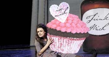 """""""Alice im Wunderland"""" am Residenztheater München"""