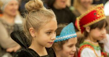 Theaterstücke für Kinder: 5 Ideen fürs Gymnasium