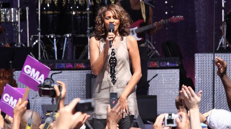 Auch die Musik wurde zu einem Welterfolg. Insbesondere der Titelsong I Will Always Love You beherrschte über Monate hinweg die Charts.