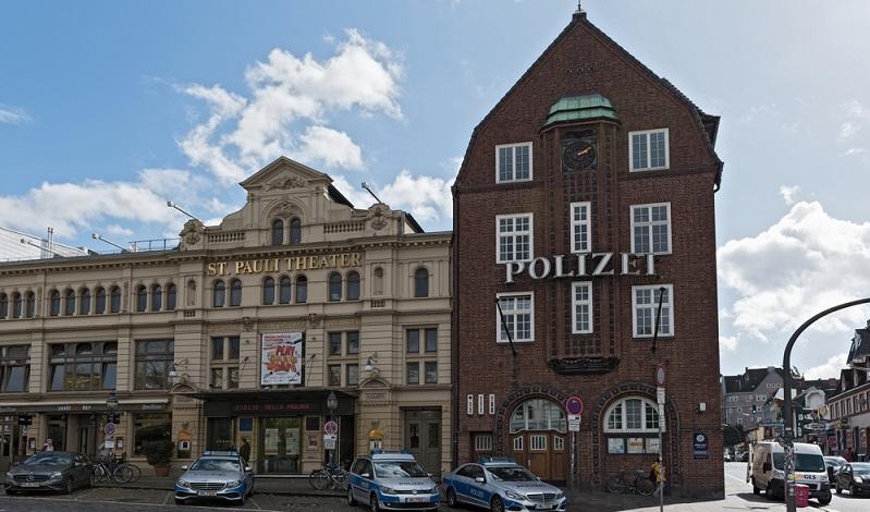 Das St. Pauli Theater lockt bereits seit mehr als 175 Jahren zahlreiche Besucher an. Anspruchsvolle Unterhaltung mitten auf dem Kiez